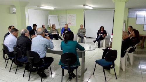 CAMAQUÃ - PREFEITO REALIZA REUNIÃO COM SECRETARIADOS E COLABORADORES