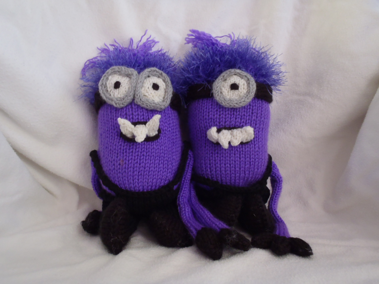 Ponchos Knitting Patterns : Stanas Critters Etc.: Minions again