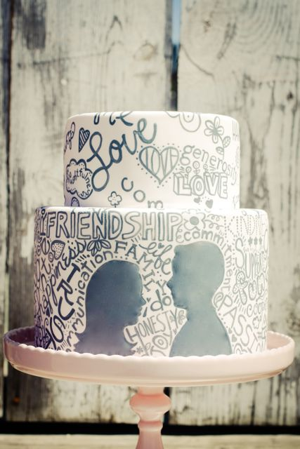 Lovely wedding cakes for Brides tying the knot in February Vintage and