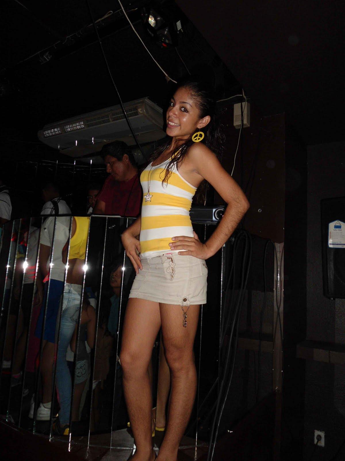 Chica de ambiente - 2 10