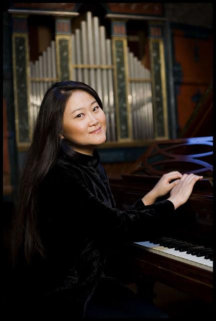 Pianist Jin Ju