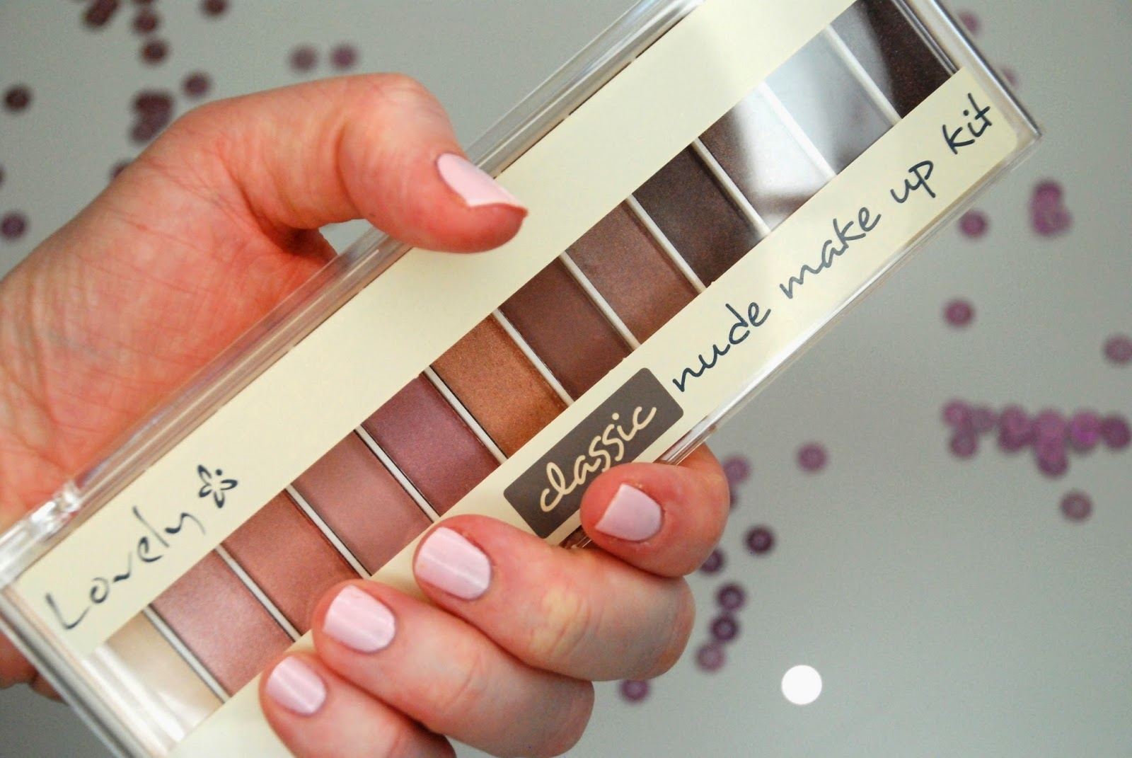 Paletka Lovely Classic Nude Make Up Kit.