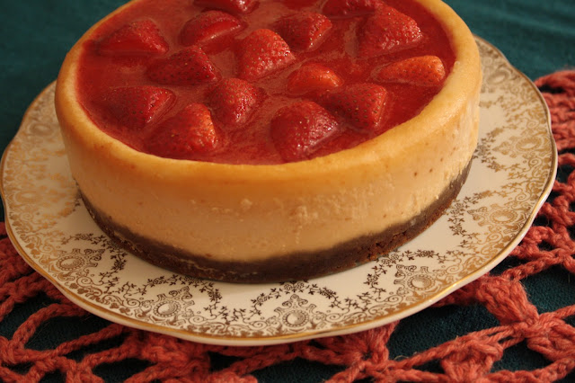 Floral Frosting: Strawberry Cheesecake with a Ginger-nut Crust