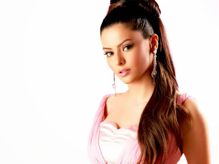 Aamna Sharif aka Kashish of Kahiin to Hoga Spicy Cute Pics