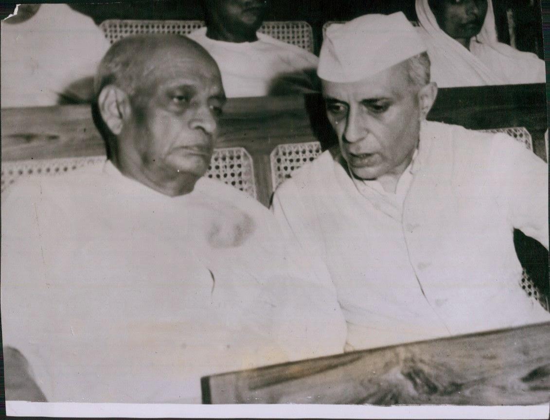 नेहरू और महाराजा हरि सिंह के लिए चित्र परिणाम