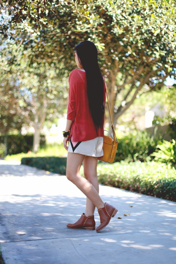 Stephanie Liu of Honey & Silk wearing Left on Houston sweater, Line & Dot shorts, Phillip Lim for Target bag, and personalized JustFab boots. See how 4 other bloggers DIY'ed it!