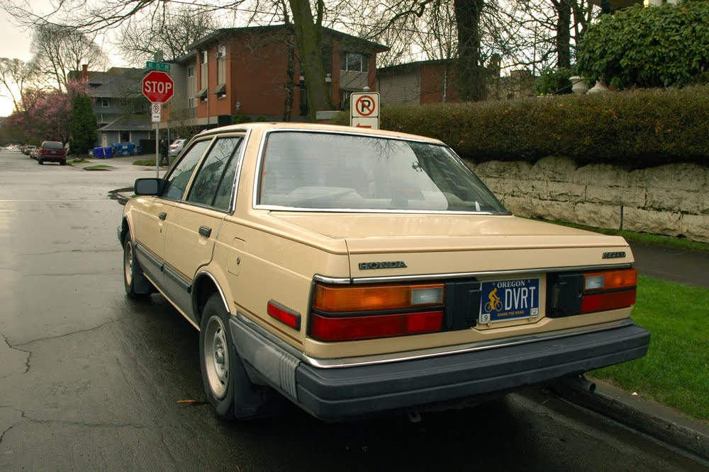 OLD PARKED CARS.: 1983 Honda Accord.