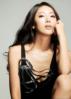 Beauty chinese model Sonia Sui