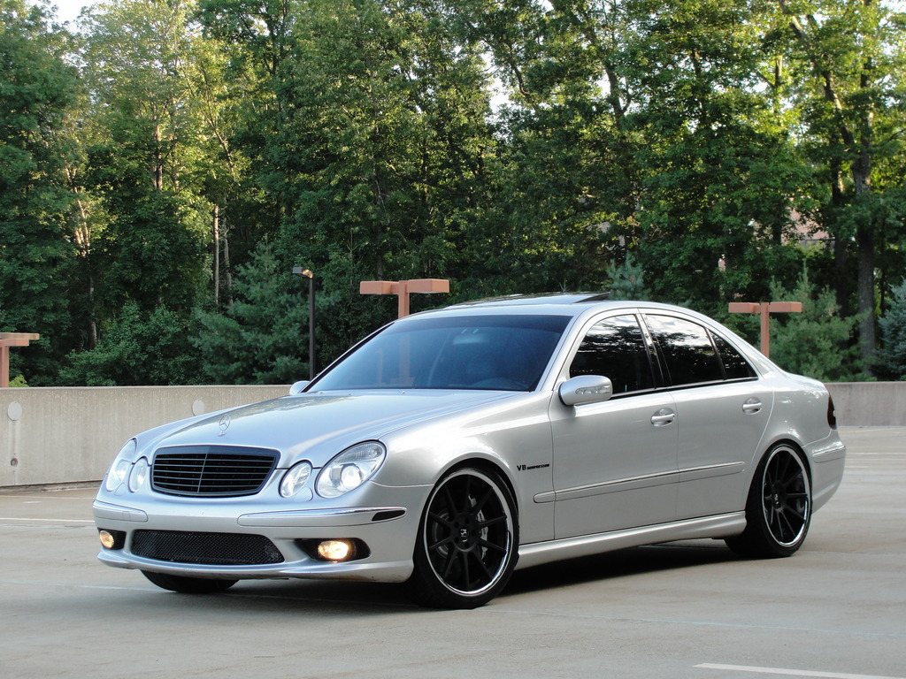 Mercedes benz w211 e55 amg on r20 rims benztuning for Mercedes benz e amg