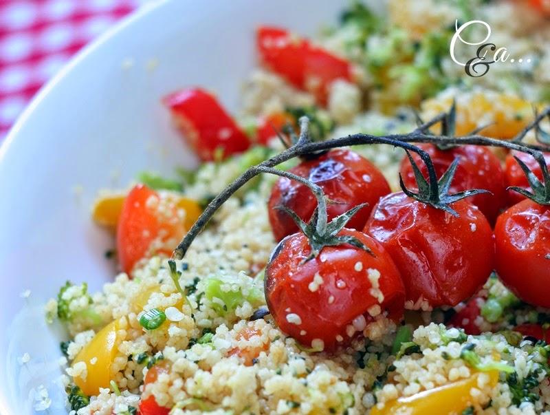 Cous cous integrale con broccoli peperoni e pomodorini al forno