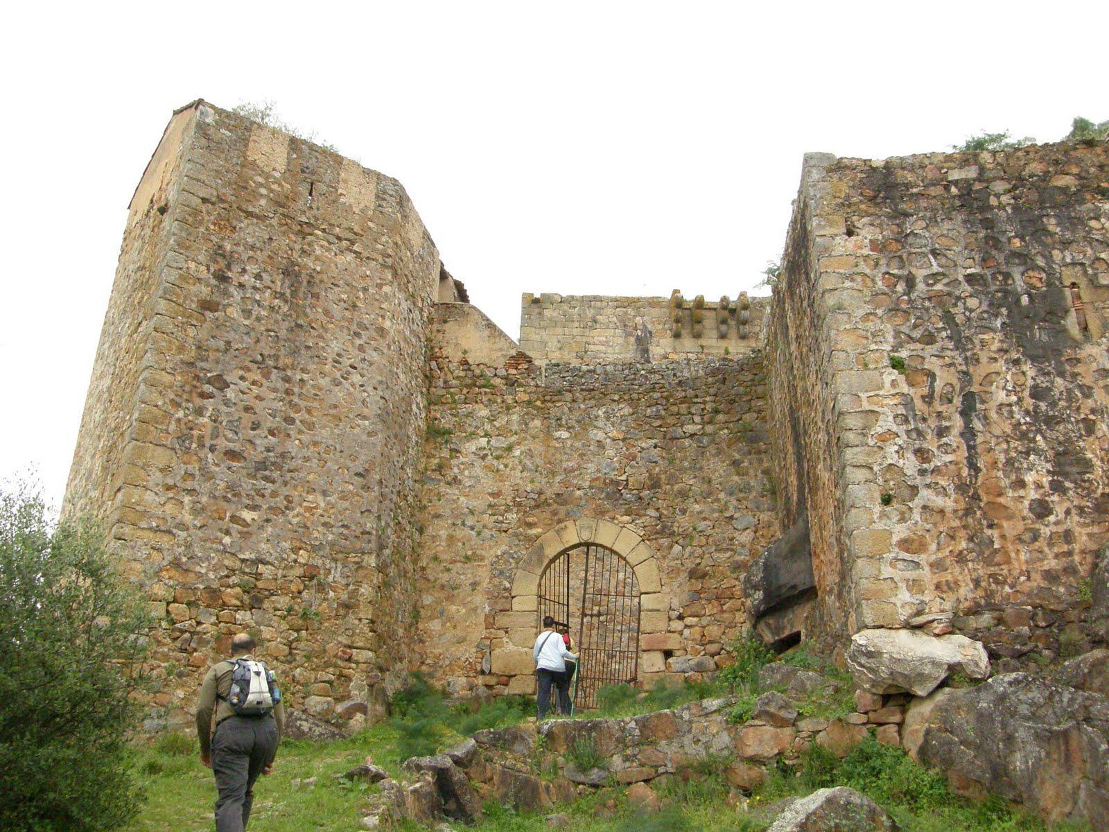 Ruta Castillo De Azagala Alburquerque Andando Extremadura # Muebles Gil Alburquerque