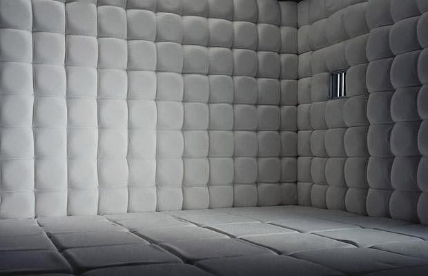 Historias de terror paredes blancas for Paredes blancas