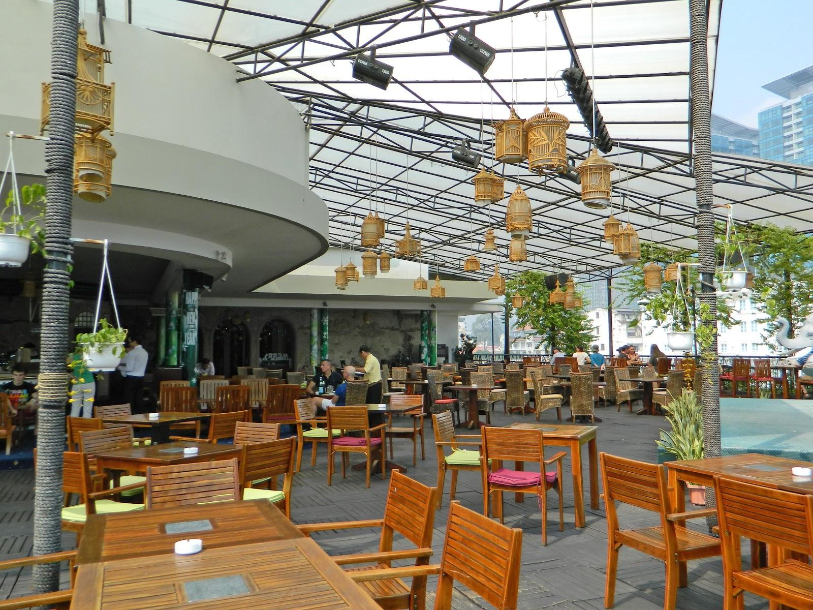 Vietnam alive rooftop garden bar on 5th floor of rex for Design hotel vietnam