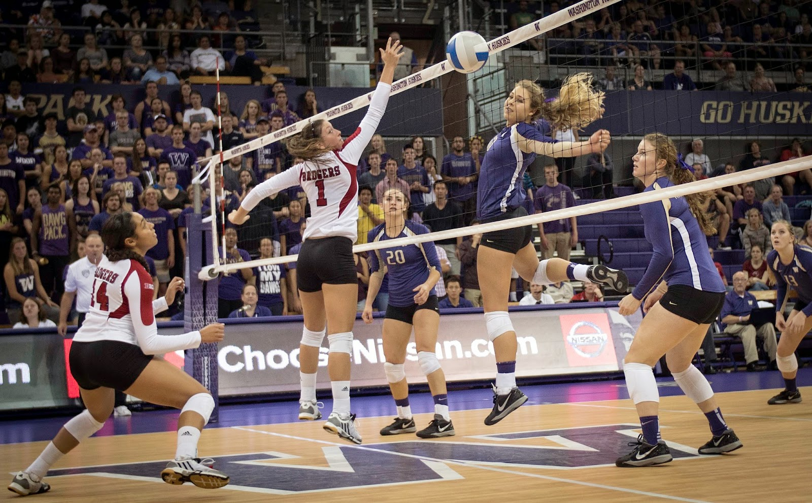 volleyball essay The history and game of volleyballthe game of volleyball, which was originally called mintonette, was invented in 1895 by william g morgan the game was styled as.