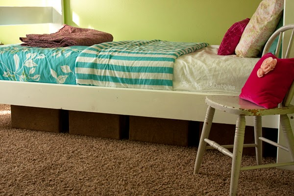 Scribbles&Dabbles: Bright Girls' Room Makeover -- under bed storage