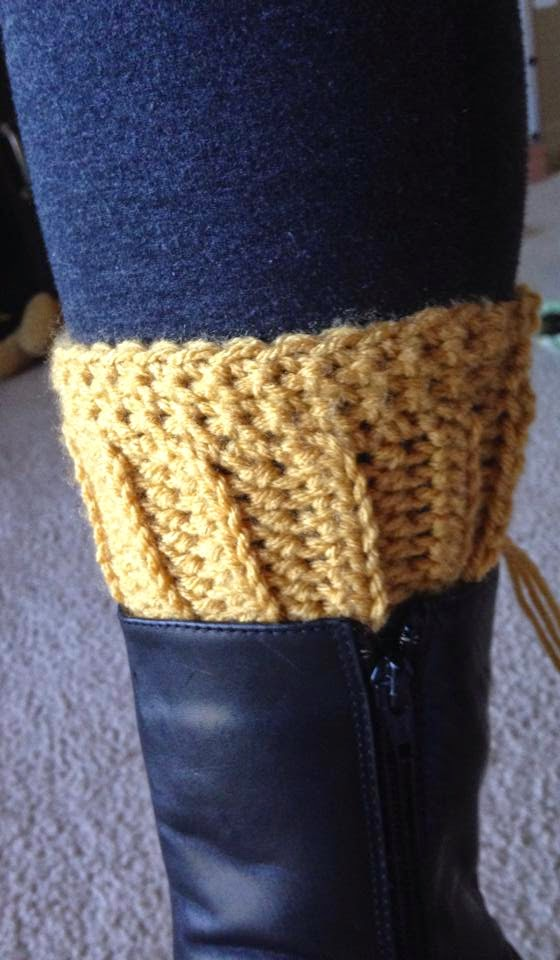 Crochet Boot Cuff Easy Pattern : Tales of a Crafty Mommy: Crochet Boot Cuffs - Free Pattern