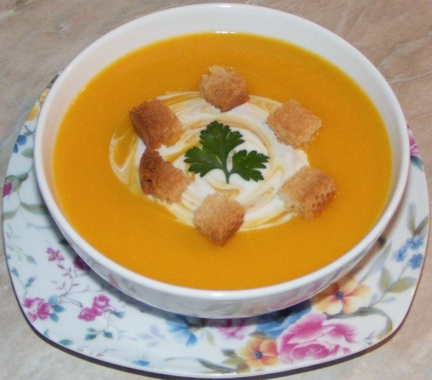 supa crema de dovleac, supa crema de legume, retete de mancare, retete culinare, supa de dovleac, supe creme, supa crema, retete cu dovleac, reteta supa crema, supa crema de dovleac galben, supa crema de dovleac cu smantana, supa crema de dovleac placintar, mananca sanatos, preparate din dovleac, cure, diete,
