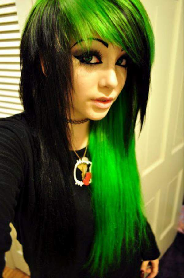 Long Emo Hairstyles For Girls