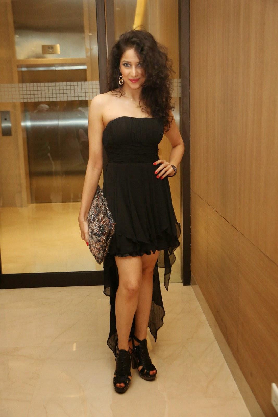 Model Neha Latest Glamorous Photo shoot-HQ-Photo-14