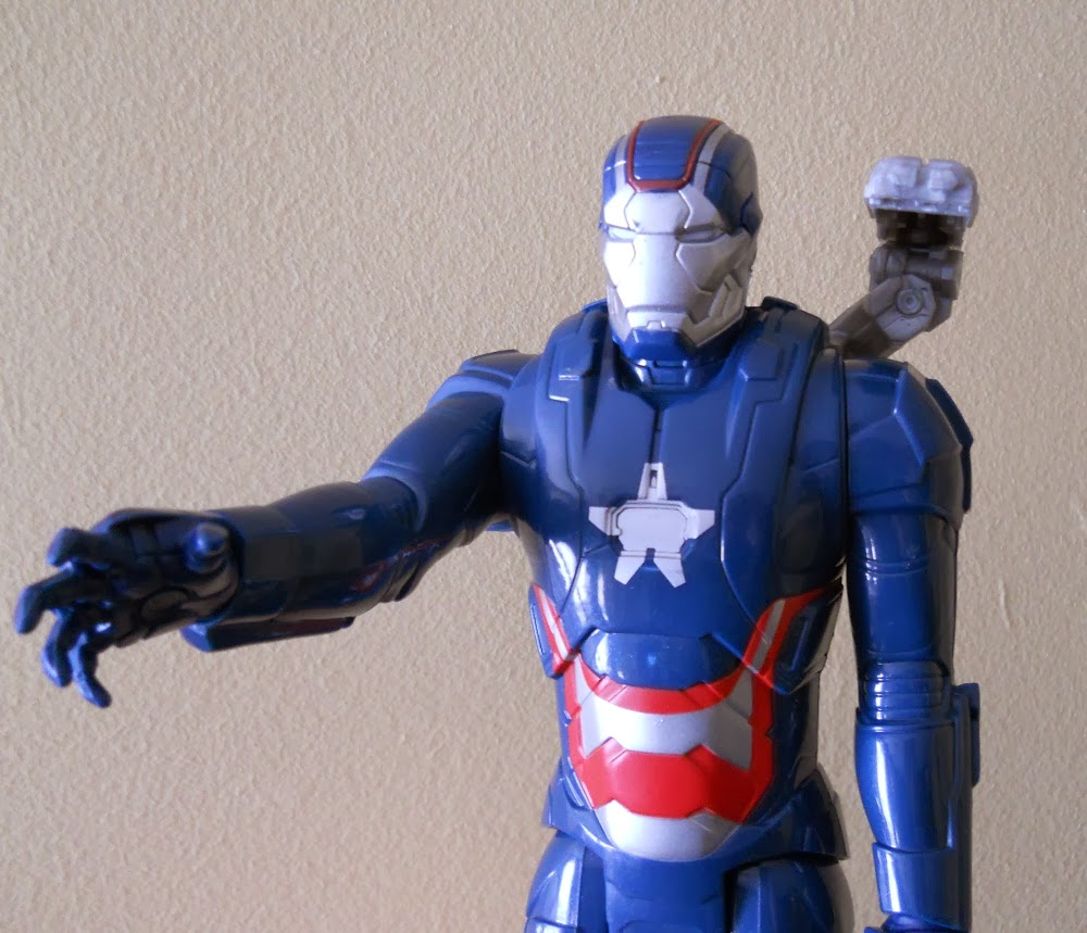 figura miniatura de iron patriot