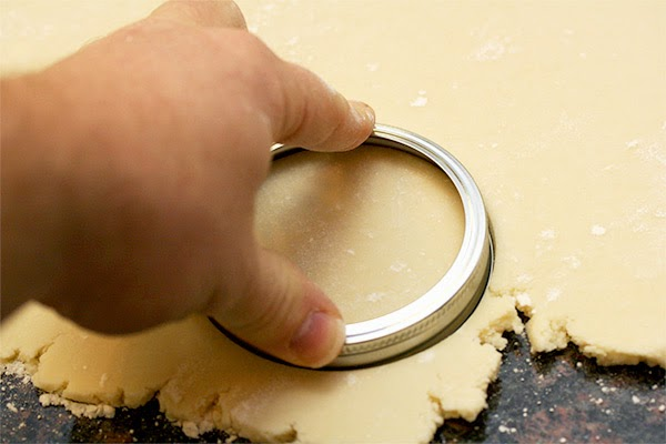 Cutting-Dough-Circles