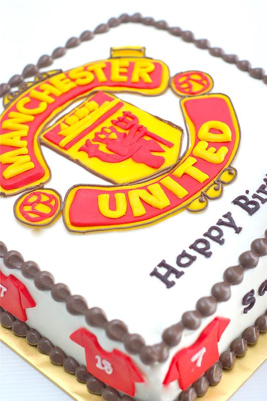 Melting Bites Something Sweet By Meltingbites Man Utd Birthday Cake