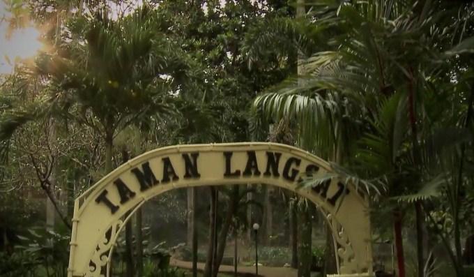 strano66: Film-Film Horor Yang Diangkat Dari Tempat Angker Di Jakarta