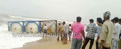 Uppala, Tanker-Lorry, Fire force, Police, Kasragod, Kerala, Malayalam News, National News.