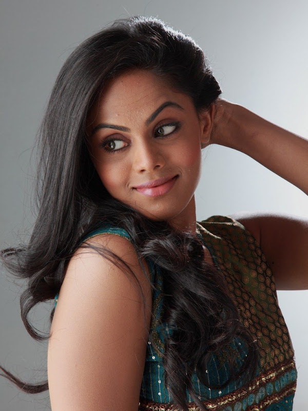Karthika Latest Stills hot photos