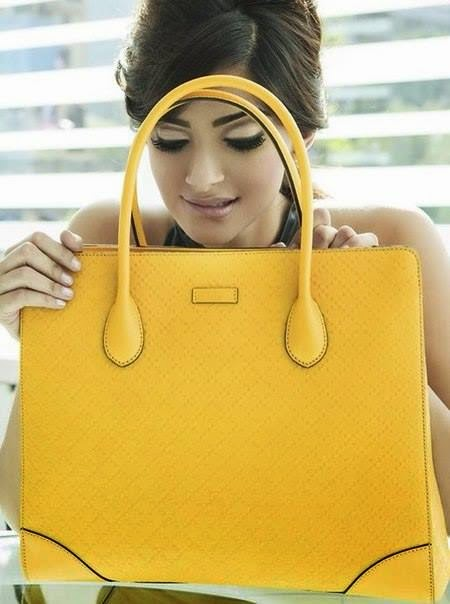 http://1.bp.blogspot.com/-KslOtyrnK2g/U8SO_EVfdjI/AAAAAAAAp5Q/NilexlGcfes/s1600/Sonam+Kapoor+Harper%25E2%2580%2599s+Bazaar+Magazine+India+July+2014+Photoshoot+%25281%2529.jpg