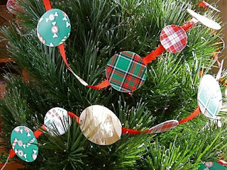 recycled greeting card crafts to make tree garland