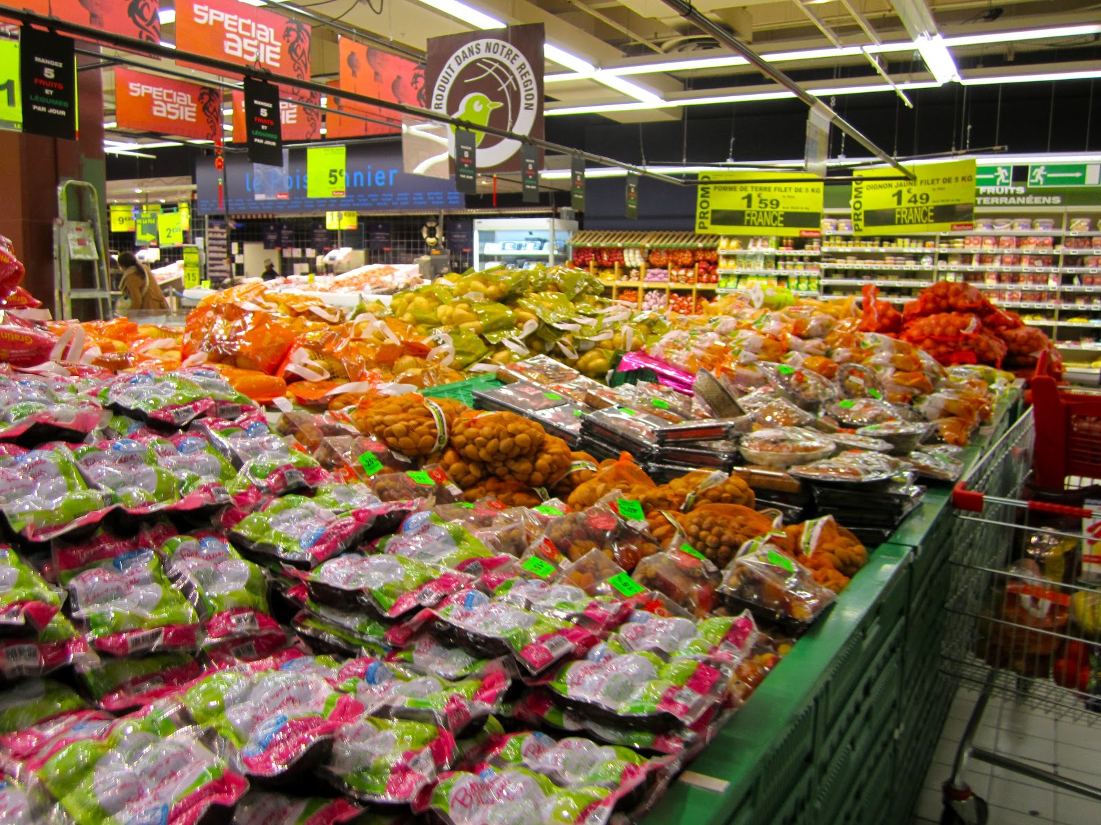 globetrotting with Cecile: Day 15 : Auchan = France's