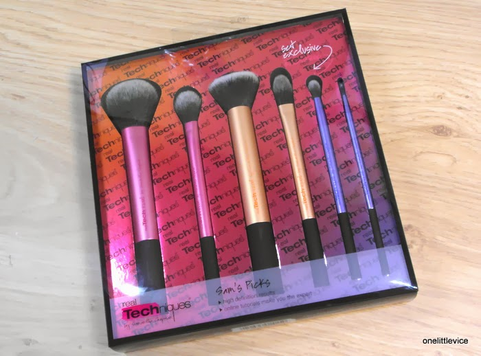 Buffing Multi task liner foundation setting crease Brush