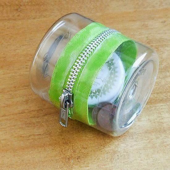 DIY Plastic Bottle Container Zipper