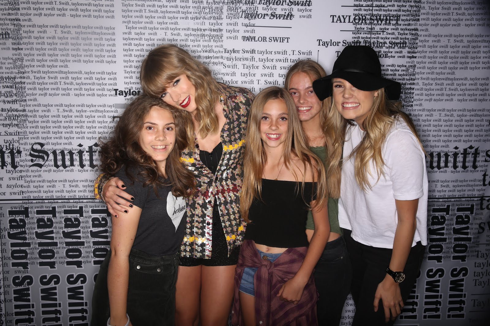 Mia & Sisters Meet Taylor Swift!
