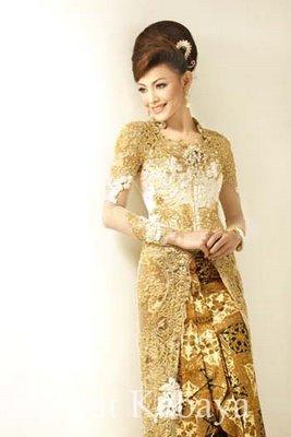 Kebaya Warna Gold