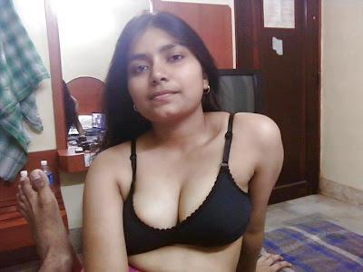 desi bhabhi nude pics to show boobs   nudesibhabhi.com