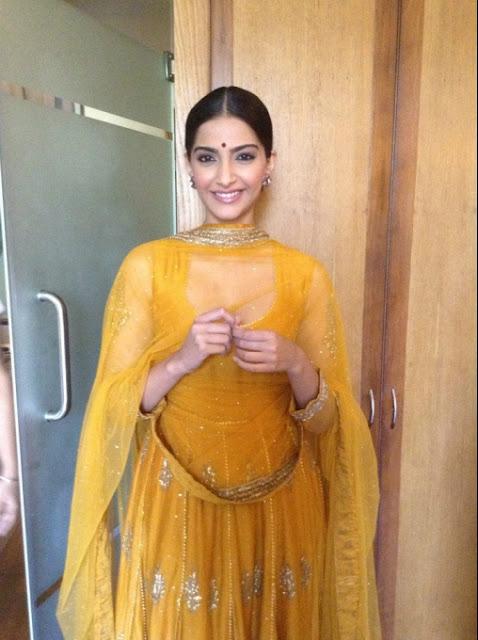 Sonam Kapoor promotes Raanjhnaa in Lucknow