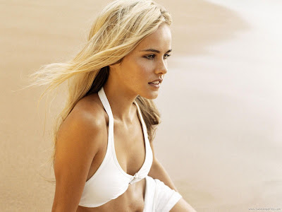 Isabel Lucas Fantastic Wallpaper
