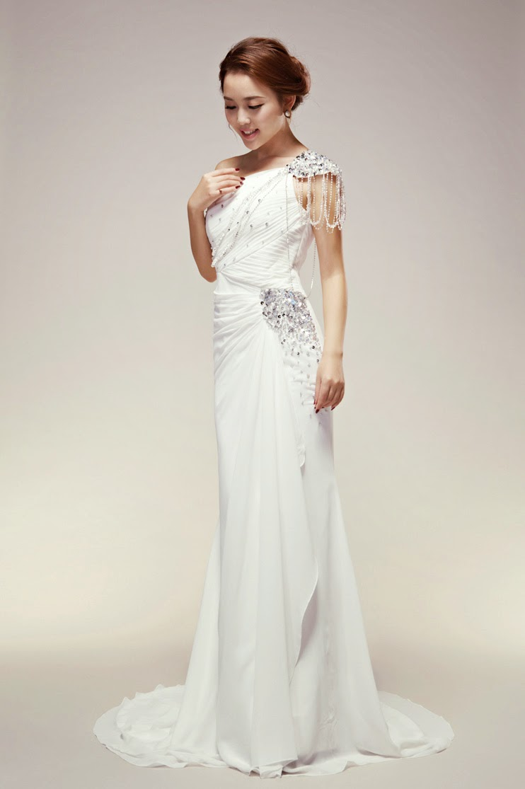 Wedding dresses for older brides 2nd marriage for Bridal dresses for second weddings