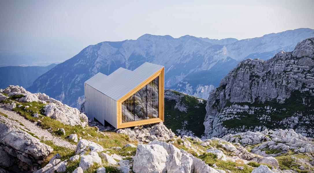 Un refugio en las montañas con mucho estilo y una vista genial ...