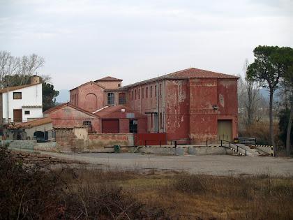 El cantó sud i ponent de la Fàbrica Vermella
