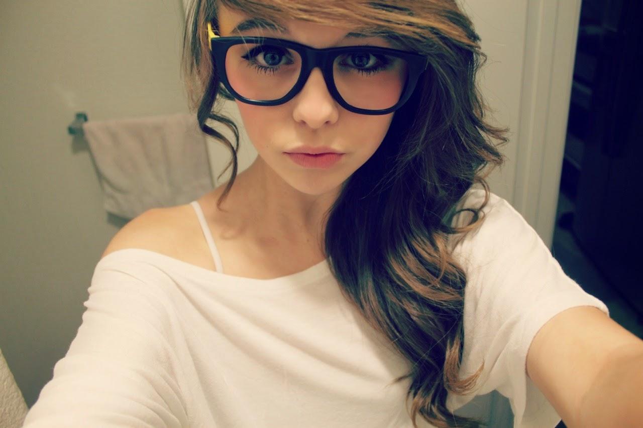 Смотреть нежные минетики девочек в очках 11 фотография