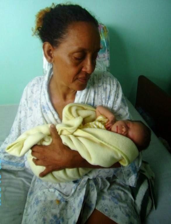 En RD mujer de 51 alumbra su tercer hijo