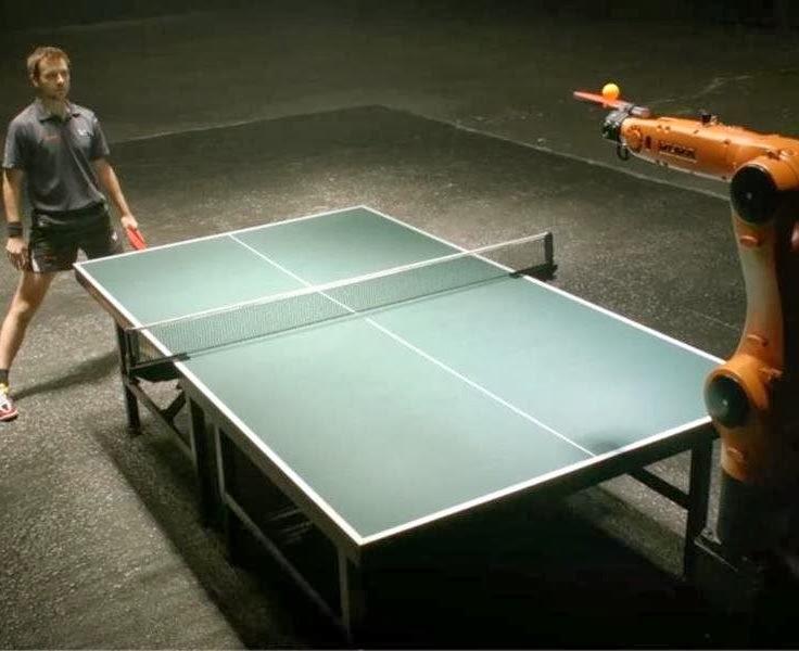 O campeão de ping-pong vs robô
