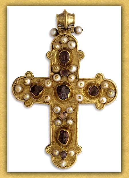 Βυζαντινός σταυρός – Λειψανοθήκη της Ιεράς Μονής Βατοπαιδίου Αγίου Όρους