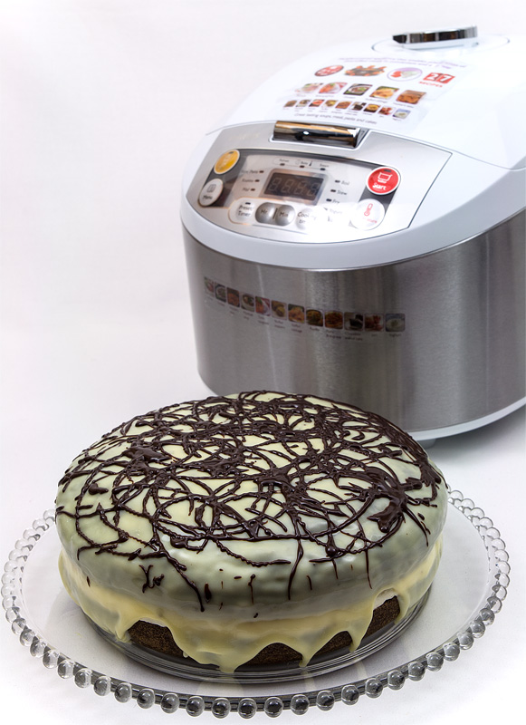 Philips Multicooker HD3037 chocolate cake