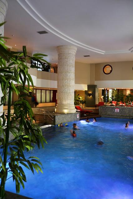 Le Meridien St Julians swimming pool