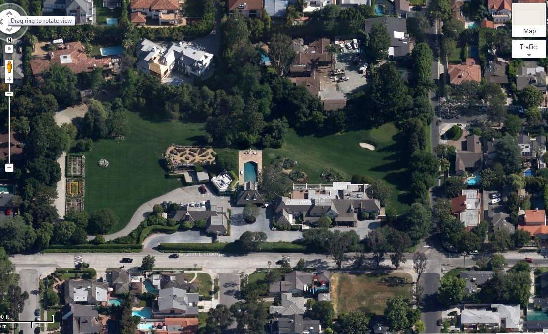 Miley Cyrus' House (former) in Toluca Lake, CA (Google Maps)