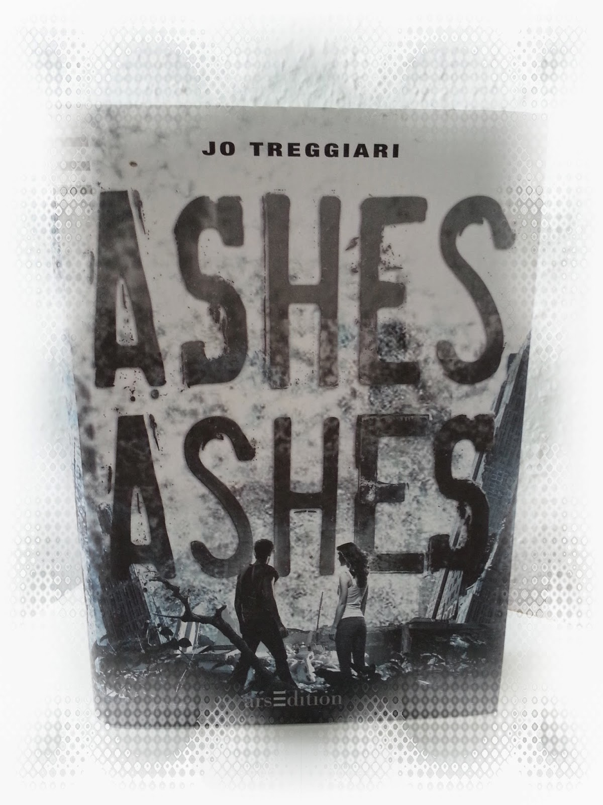 http://www.amazon.de/Ashes-Jo-Treggiari/dp/3760784712/ref=sr_1_1_bnp_1_har?s=books&ie=UTF8&qid=1399921995&sr=1-1&keywords=ashes+ashes